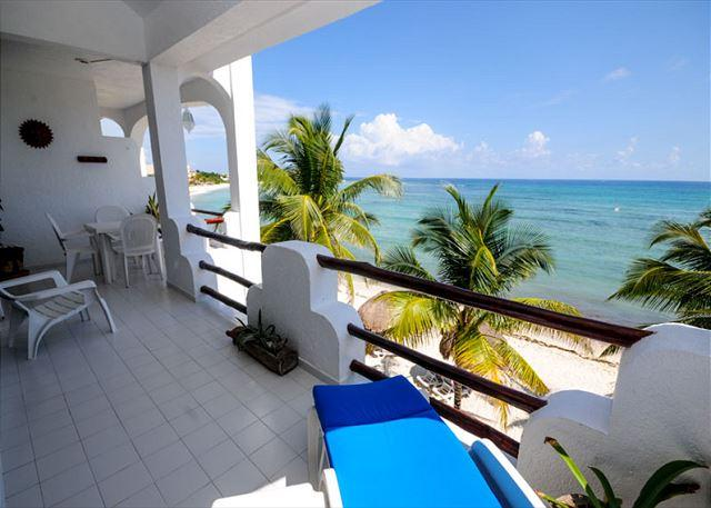 2 or 3 bedroom, Third level condo with gorgeous ocean view.  AC and WiFi., vacation rental in Akumal