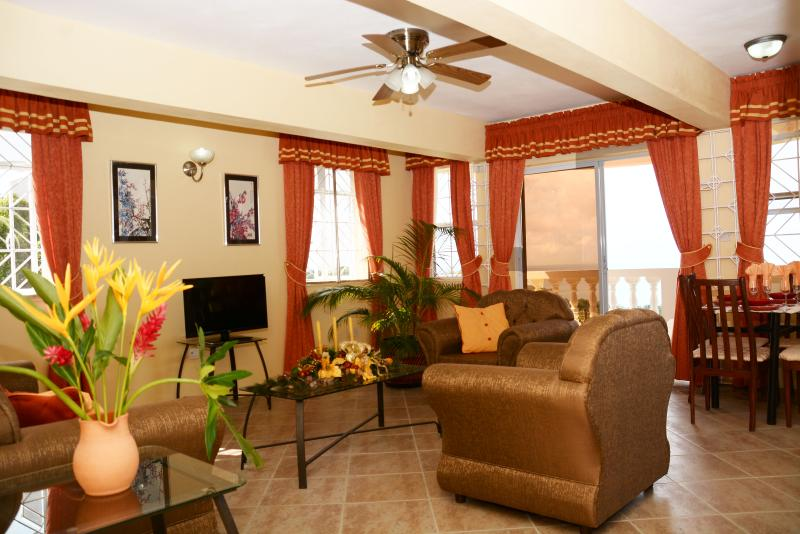 Ocean View, Sunset Apartment near city of Castries, holiday rental in Castries