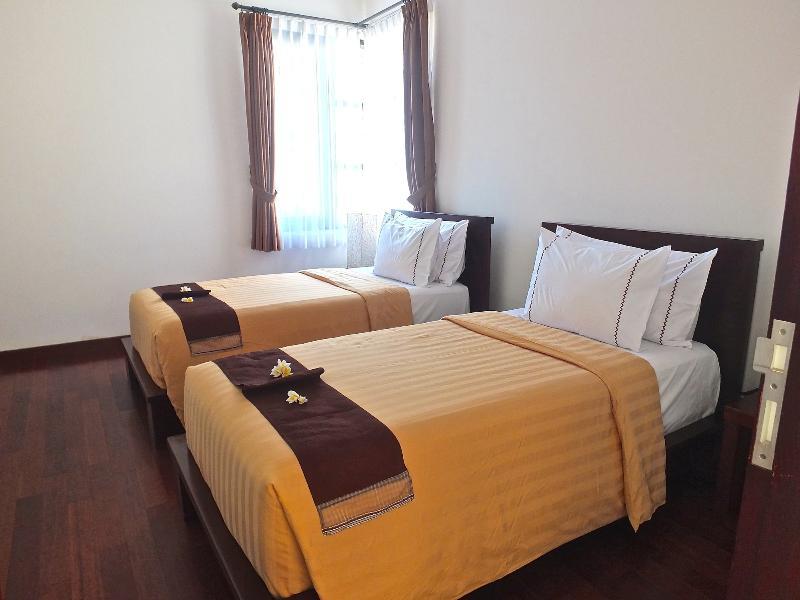 Twin bed setting