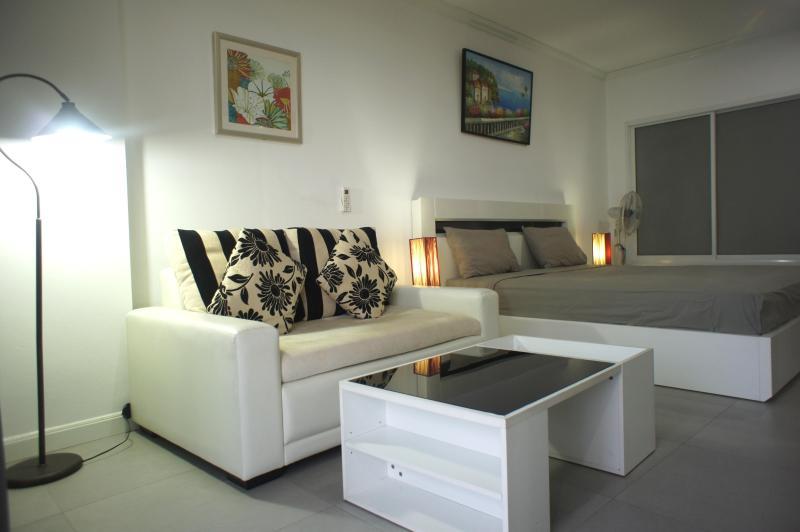 Modern style condo for rent, Pattaya city, aluguéis de temporada em Bang Lamung