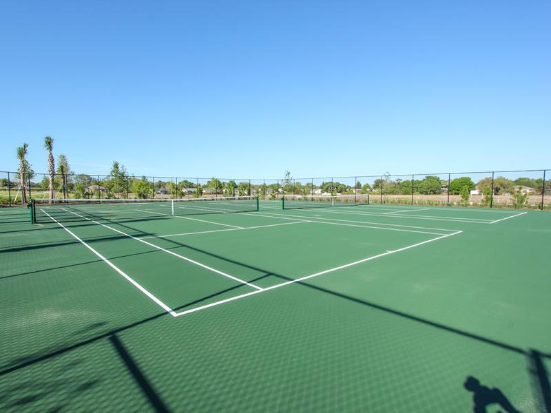 Club House Tennis Courts