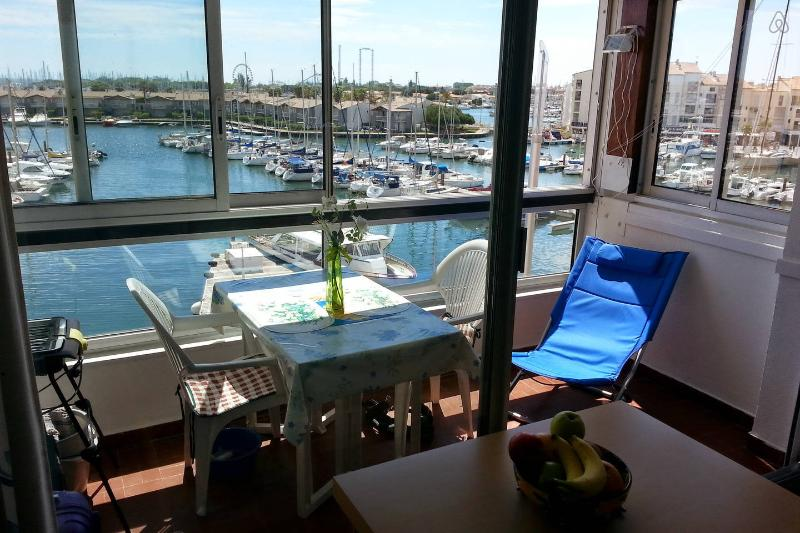❤️ APPARTEMENT BELLE VUE PANORAMIQUE  FACE AU PORT, holiday rental in Agde