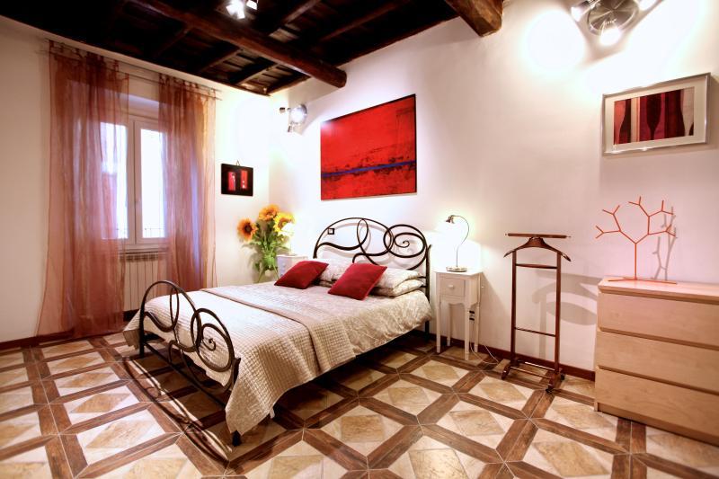 Family-Friendly Apartment in Rome near the Historic Center - Campo dei Fiori - S, location de vacances à Castel Romano