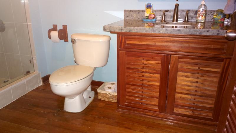 Casa de banho para 2 quartos