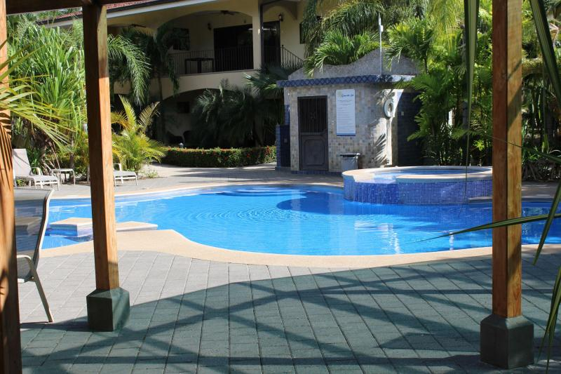 2 Bedroom Tropical Oasis at Penca Beach in Potrero, holiday rental in Playa Prieta