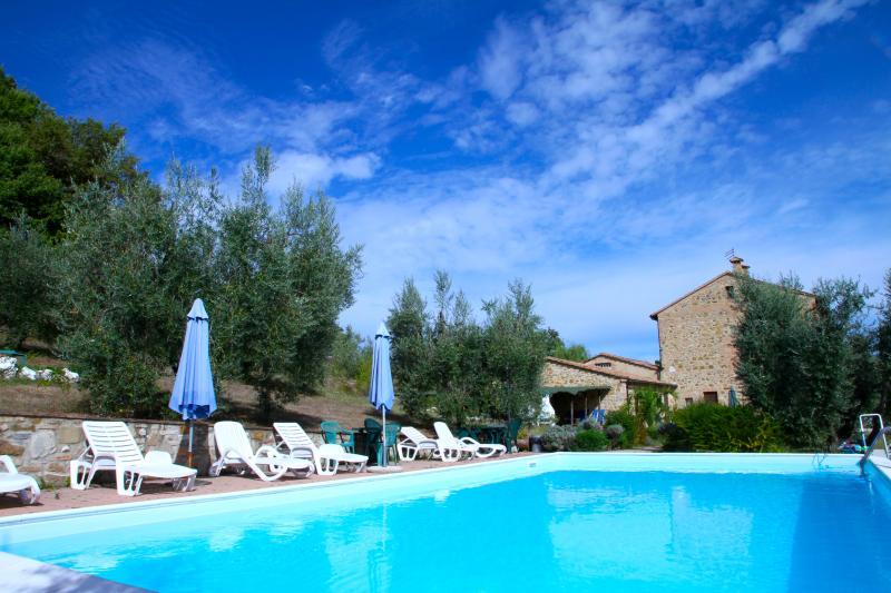Girasole: An Old Mill pool activities wi-fi view, alquiler de vacaciones en Montalcinello