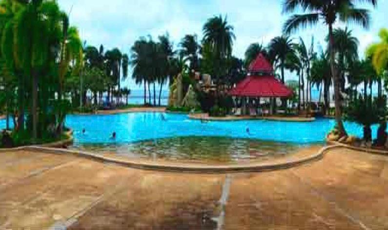 La mayor piscina junto al mar tiene 70 metros de largo casi doble de un tamaño olímpico
