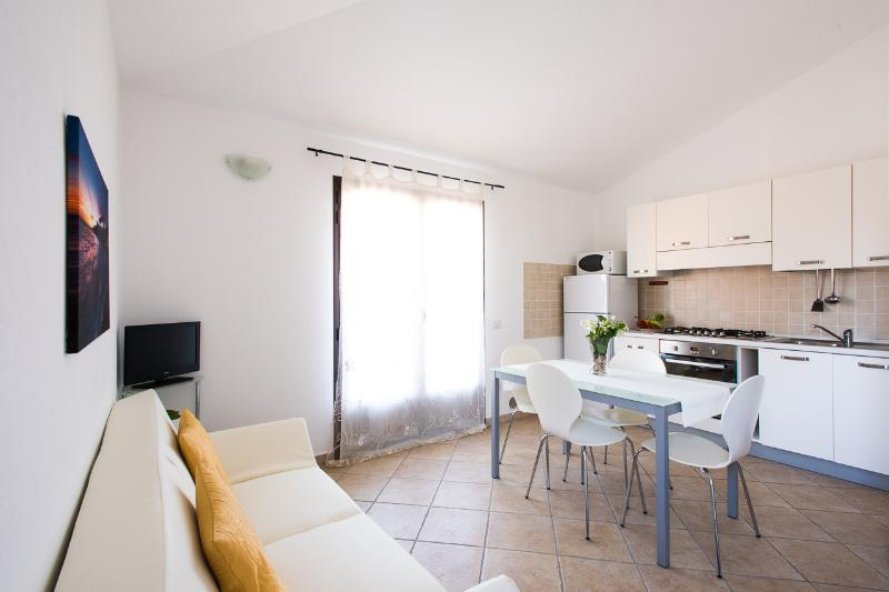 Sitting room with kitchenette - Salotto con cucina