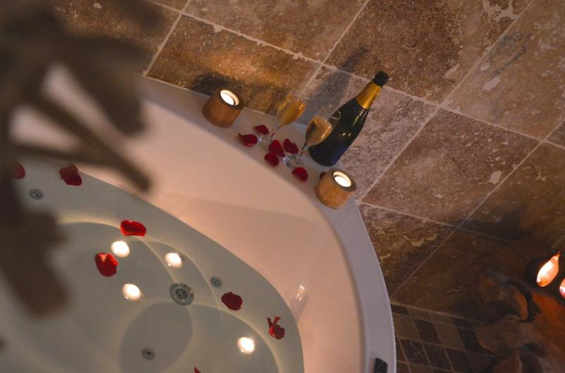 Le Temps Suspendu - Suite with Spa, vacation rental in Carpentras