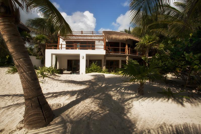Beachfront of Casa Carolina