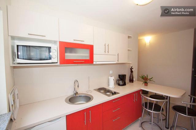 Two bedroom apartment for 4 persons, location de vacances à Jadranovo