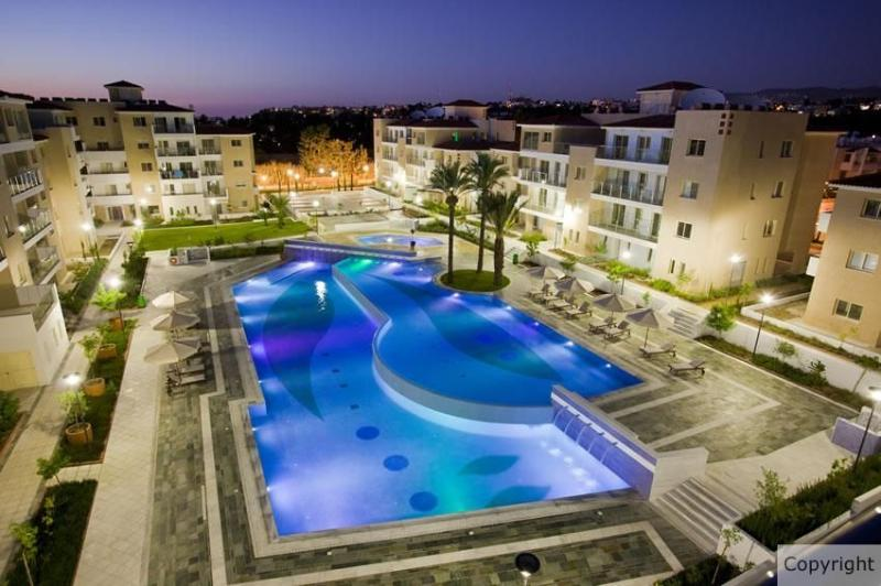 There are 2 very large cascading lagoon pools on the complex with Disco lights !