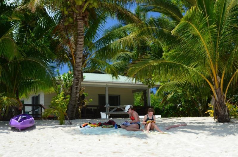 Jenny's Beach House - Absolute Beachfront, casa vacanza a Aroa Beach