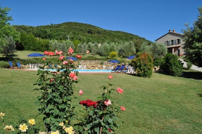 Lodging Ci in Iano,air conditioning,terrace,Wi Fi,swimming pool,near the village, holiday rental in Palagio