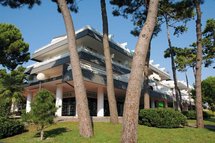 Residence Isvico A, vacation rental in Lignano Pineta