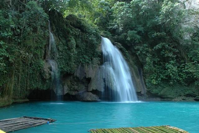 nearby kawasan beaytyfull waterfalls
