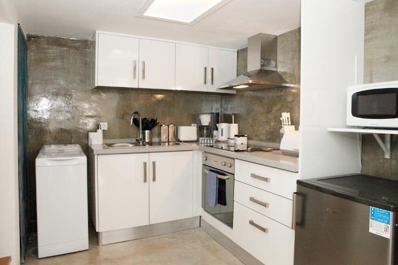 Kitchen fully equiped with modern apliances