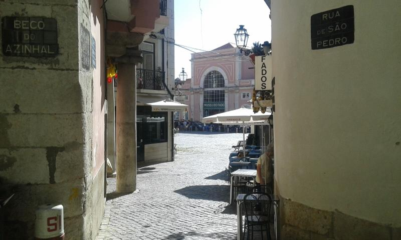 View of the Largo do Chafariz and Fado's Museum close to the apartment