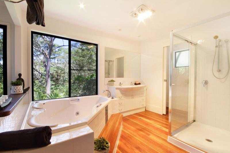 main bedroom en-suite with bush and see view.