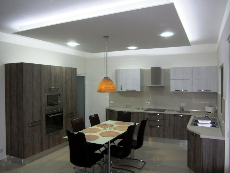 Fully fitted Kitchen & Dining Room