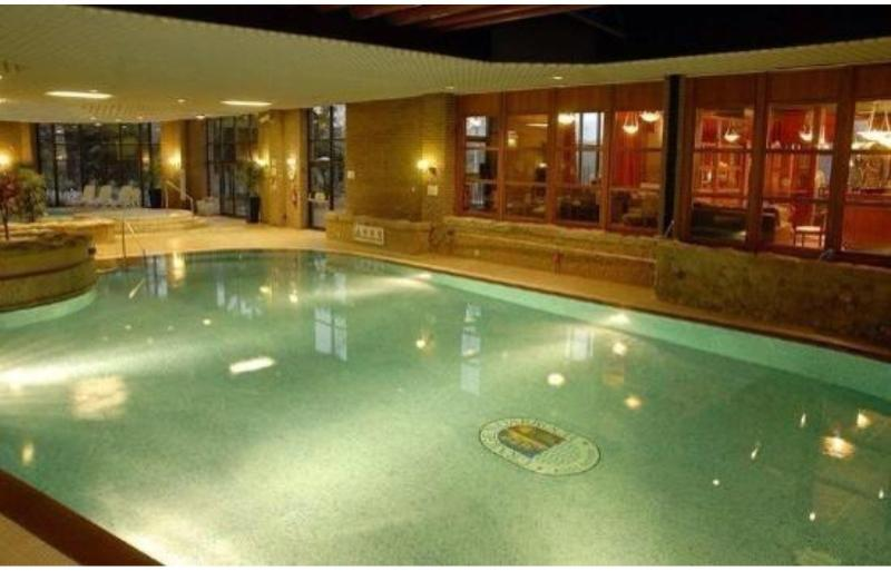 Pool in Leisure centre just a few minutes walk from Lodge