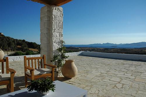 Spectacular 180-degree views of the sea and Antiparos