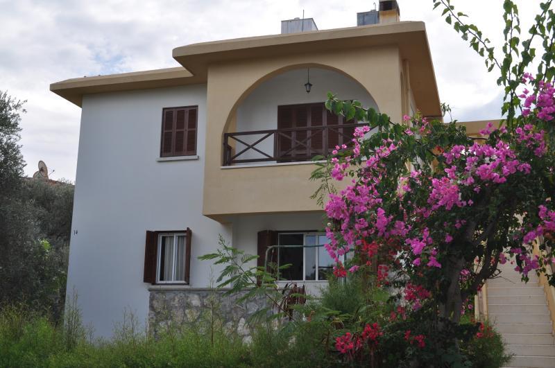 Catalkoy 3 Bedroom flat, vacation rental in Catalkoy