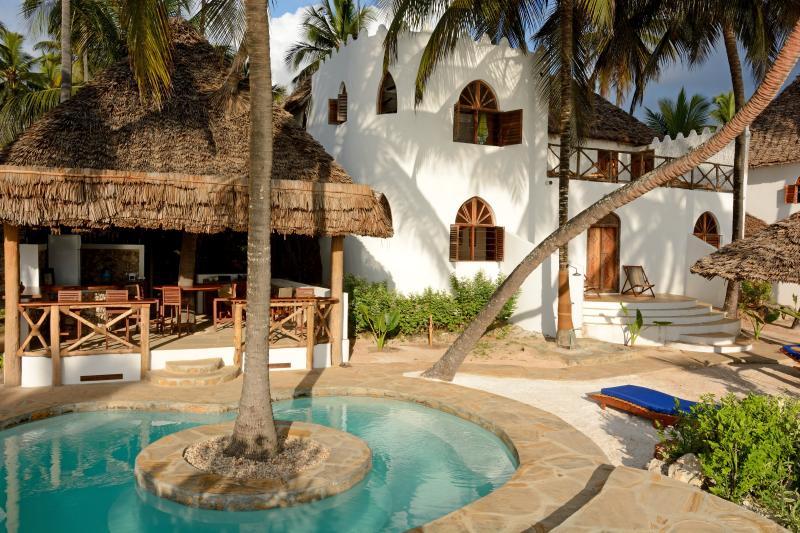 La piscina e la Dua House