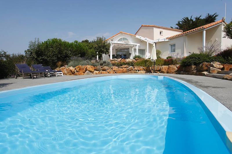 Typical 4 bedroom large villa Sequoia with private pool