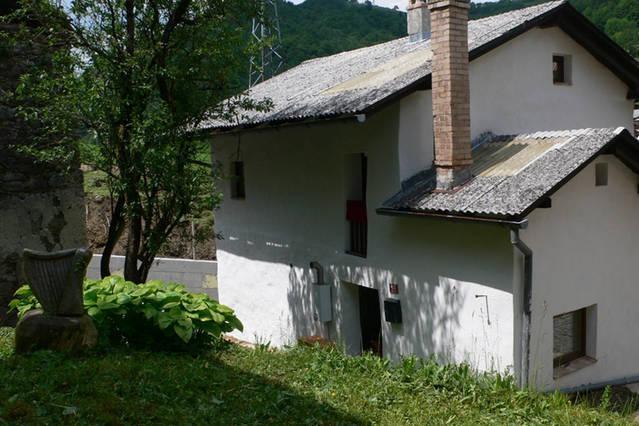Tarash Cottage on edge of Triglav National Park, casa vacanza a Slap ob Idrijci
