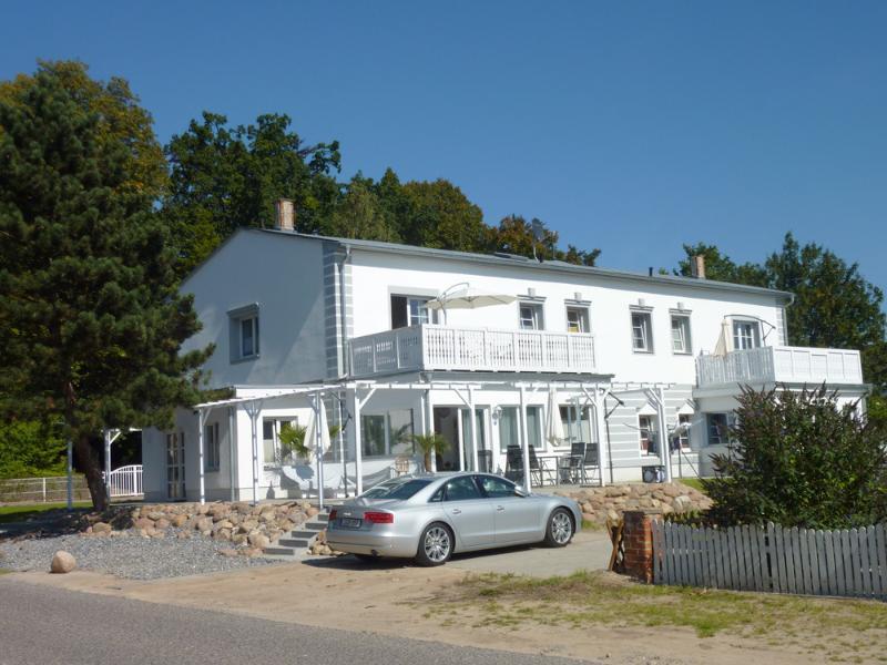 Villa Paradies - Gartenseite