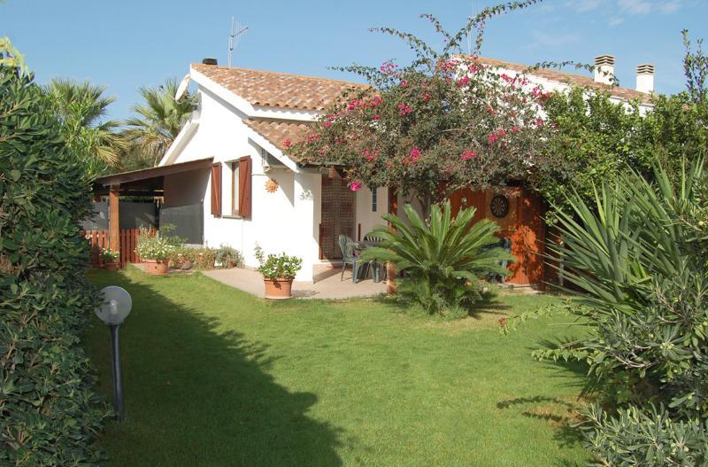 Villino Vincent - Spiaggia Grande, Calasetta- IUN: P5277, casa vacanza a Calasetta