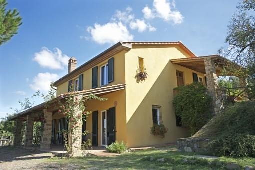 Gorgeous villa in Lucignano,air conditioned,pool,village walking distance, holiday rental in Lucignano