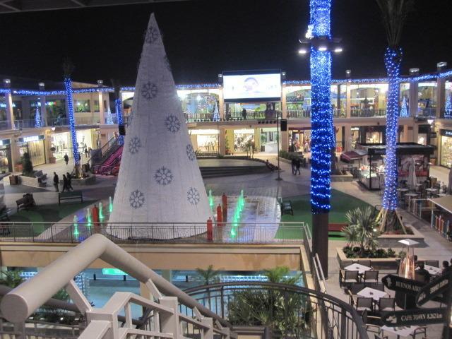 Comercial Zenia Boulevar a 1 km apx