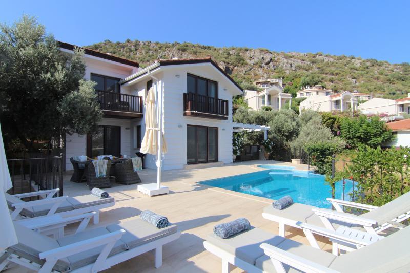 Luxury sea front Villa Evin.