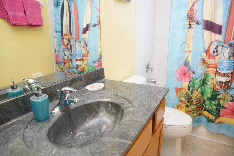Family bathroom #1