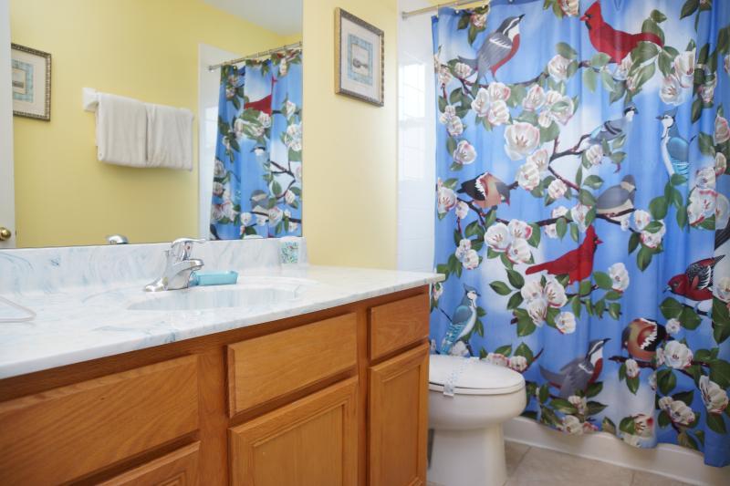 Family bathroom #2