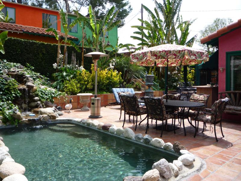 *HAWAIIAN HUT celebrity estate guest house. Gated/tropical resort/pet/pool/spa, holiday rental in Simi Valley