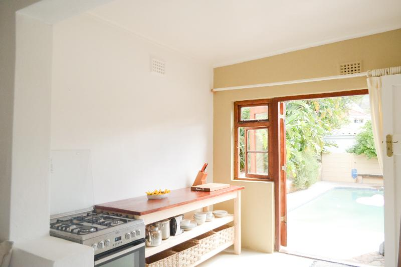 Modern + Central on Table Mountain, holiday rental in Walmer Estate