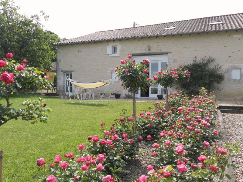La Trade holiday rental near Brantôme, location de vacances à Saint-Martin-de-Ribérac