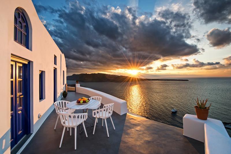 Domus Solis, Ferienwohnung in Santorin