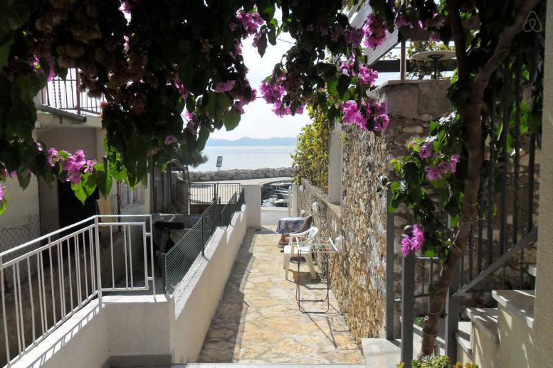 balcon de la apartment.in, situation tranquille, à travers la mer avec vue sur Voir