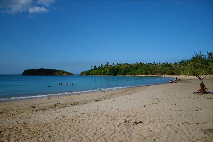 Cerro Gordo-stranden är ett stenkast bort