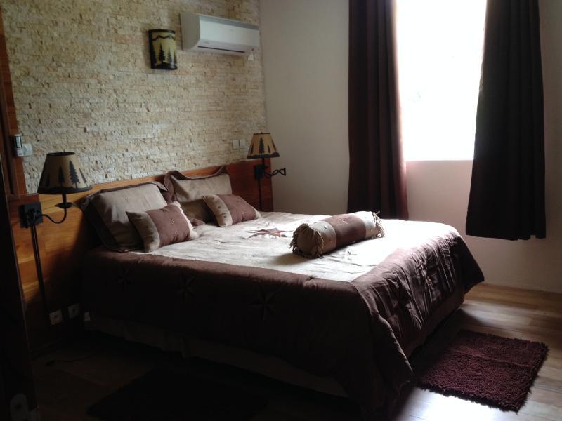 High-standard bedding TEMPUR and drapery, pillow & sheet CLARA CLARK
