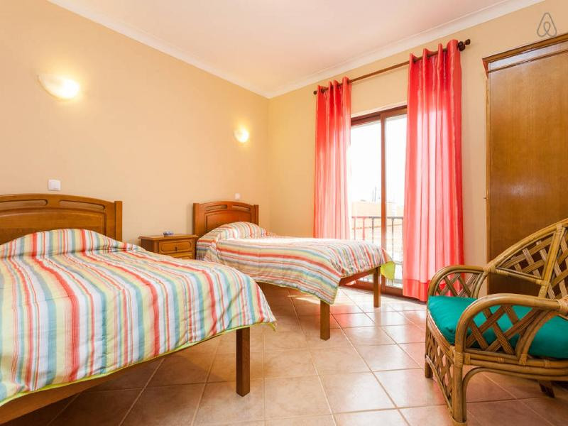 Twin Room with private terrace located in Sagres, location de vacances à Sagres