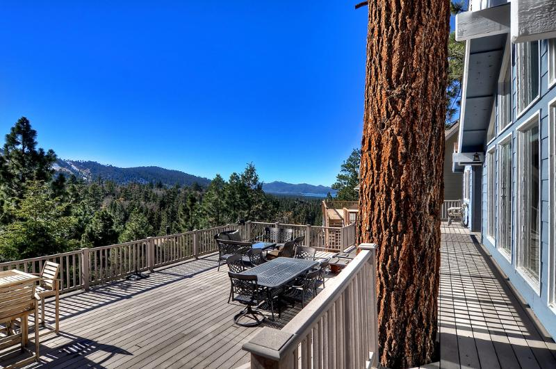 Immense terrasse avec vue panoramique