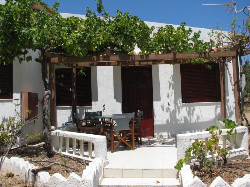 sunrise apartments studio 1, location de vacances à Zakros