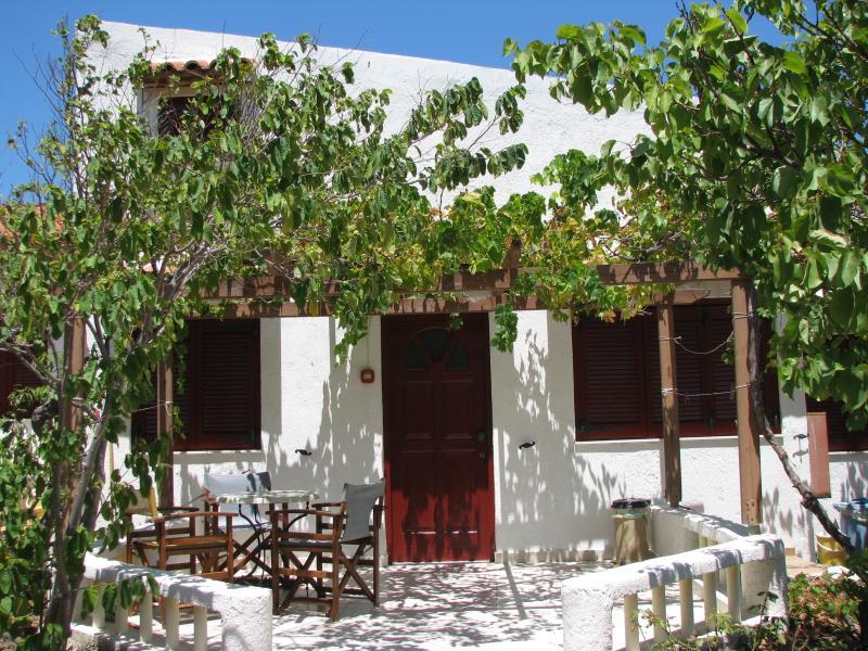 sunrise apartments, split level apartment, location de vacances à Zakros