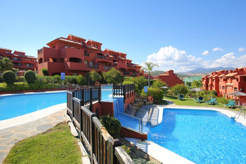 Luxury Costa Galera Resort Apartment in Estepona, location de vacances à Estepona