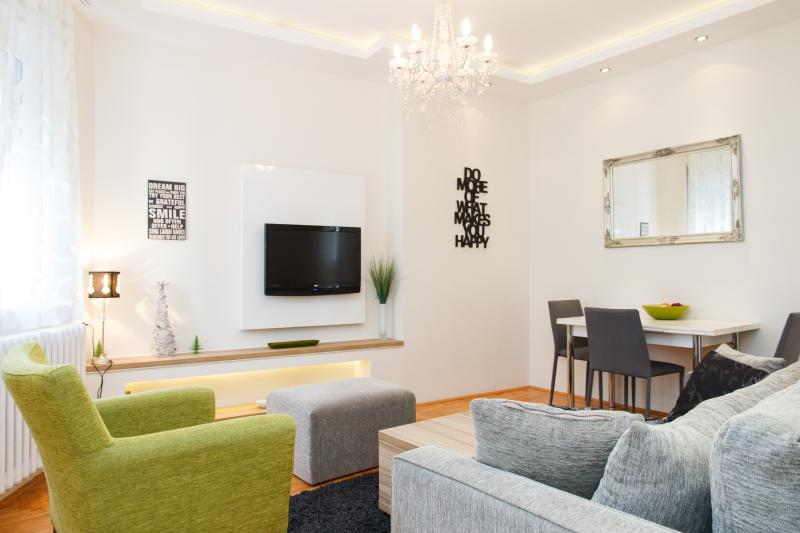 Klishe Zen, Hilandarska Street, CENTER, vacation rental in Belgrade